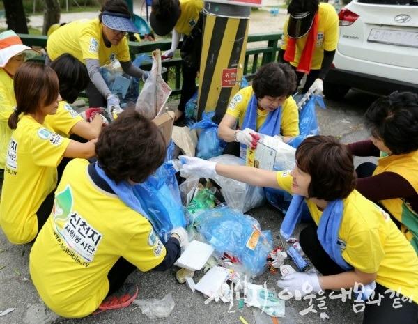 신처지_광주교회_자원봉사_거리정화활동_(2) (1)